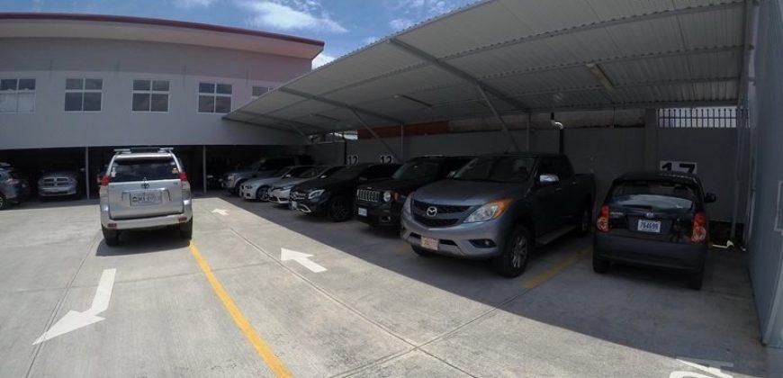 Parqueo de 605m2 para 30 veh. en Paseo Colón  ID-105