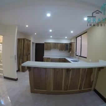 Casa Nueva en Granadilla Curridabat ID-109