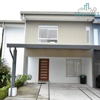 Casa de 3 Habitaciones en Condominio Barlovento ID-308