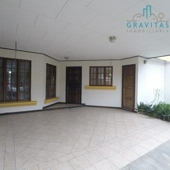 Ganga Casa de 3 Habitaciones en San Pedro ID-357