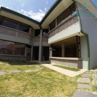 Casa de 3 Habitaciones por la Católica Guadalupe ID-367