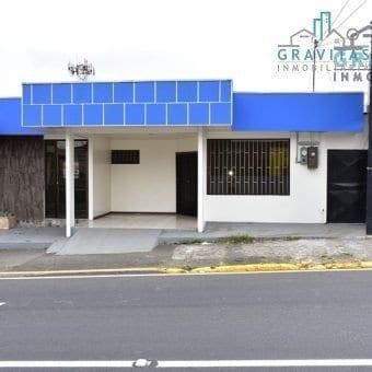 Local de 76m2 en San Carlos, frente a calle principal