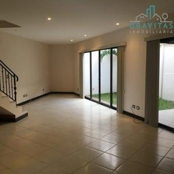 Casa de 110 m2 en Moravia | 2 habitaciones | Finos acabados