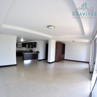 Amplio Apartamento en Villa Verona Curridabat