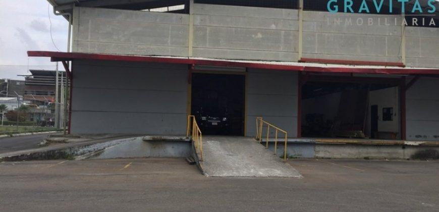 Bodega de 260m2 en Santa Ana / Seguridad 24-7 / Trifasico ID-471