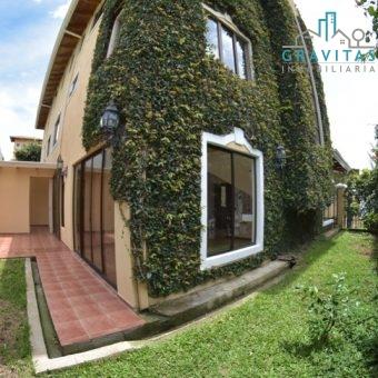 Casa en Pinares Curridabat ID 501