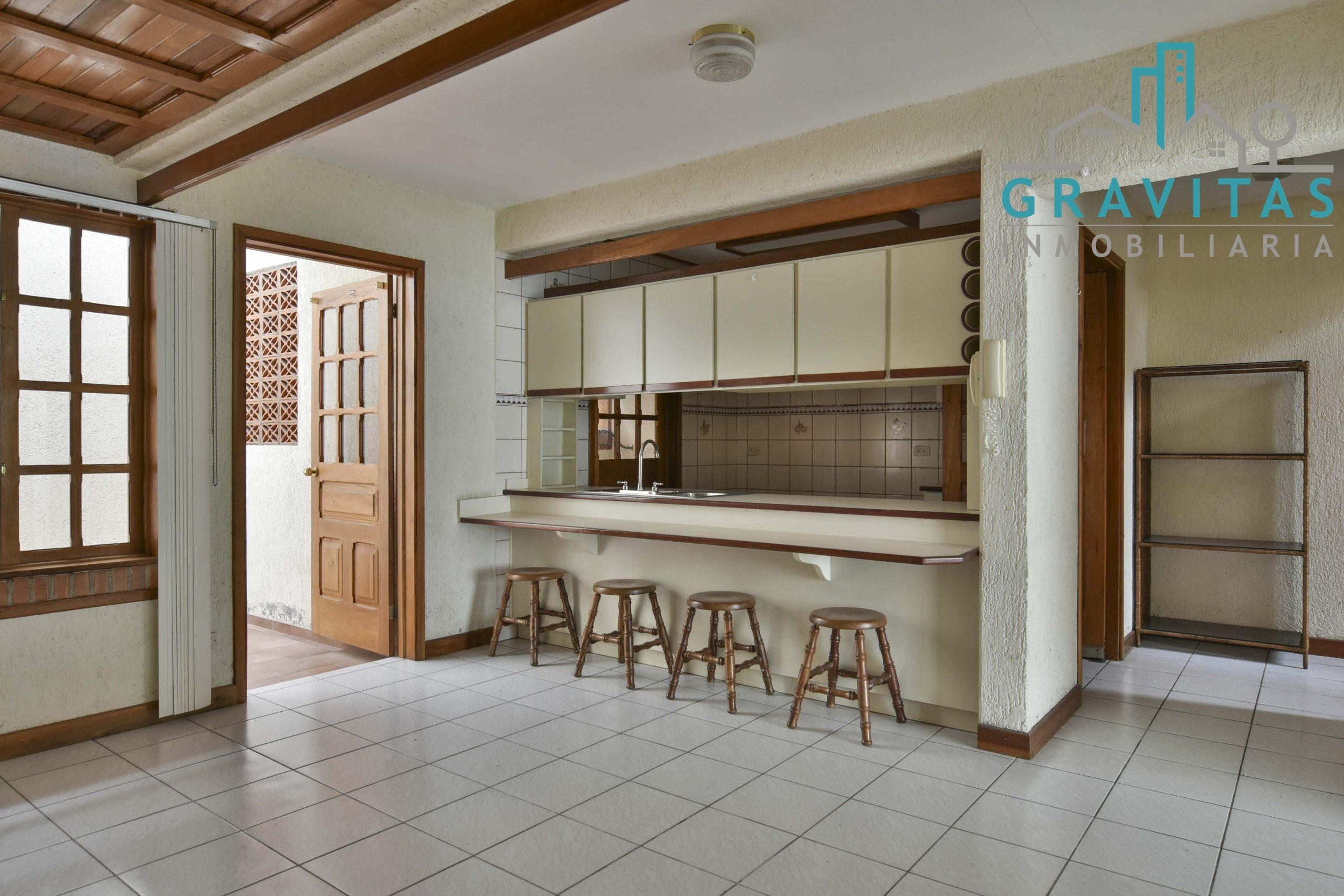 Se alquila casa en condominio en los colegios | Seguridad 247