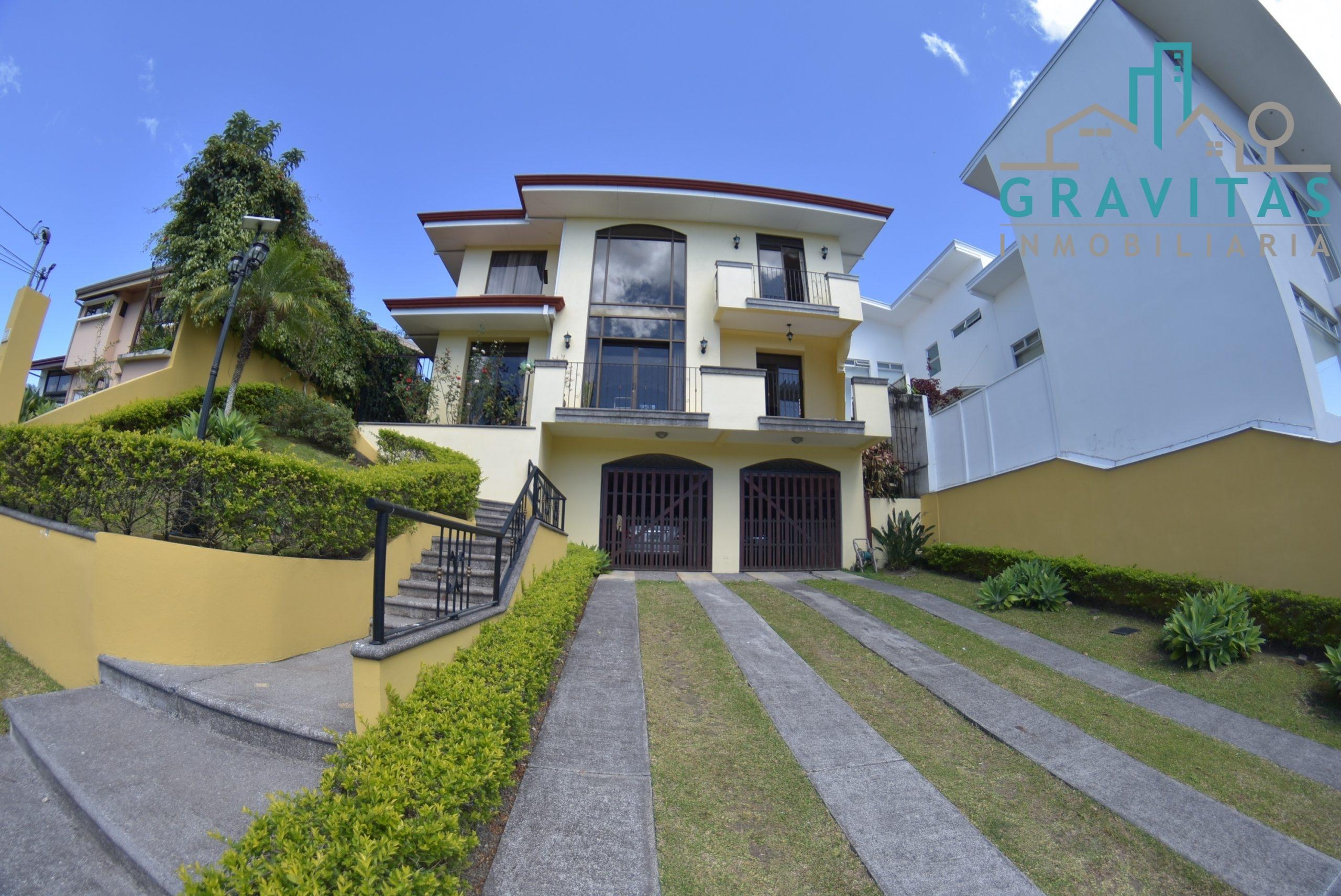 Casa en Curridabat en residencial privado ID-621