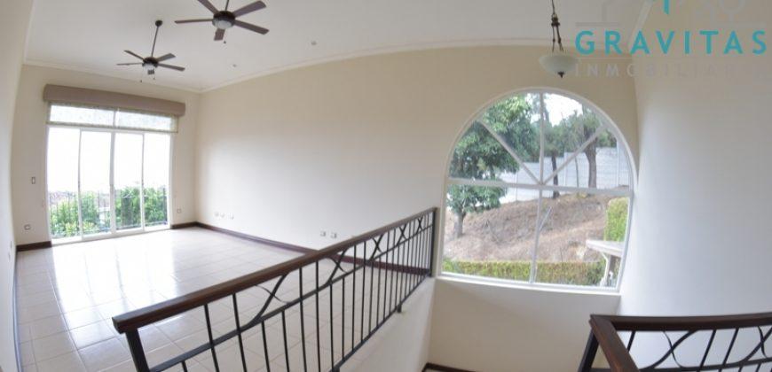 Casa de Lujo en Guachipelin de Escazú ID-635
