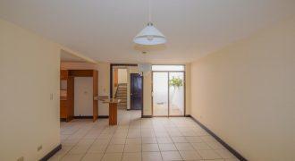 Casa en condominio en Moravia | 3 hab | 2 parqueos MB- 168