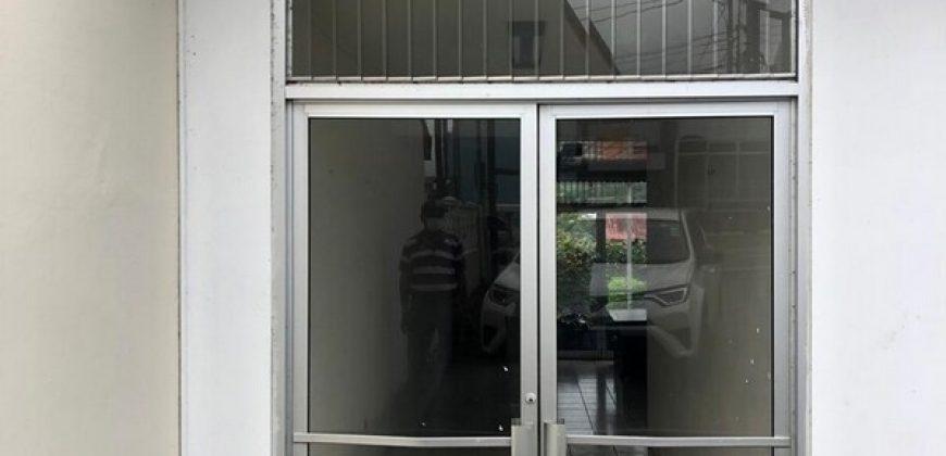 Casa con uso Comercial en Ciudad Quesada LV-102