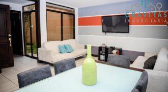 Se Vende Casa Amplia en Moravia | 3 hab | Parqueo