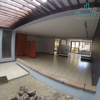 Casa con Uso Comercial en Pinares de Curridabat ID 831