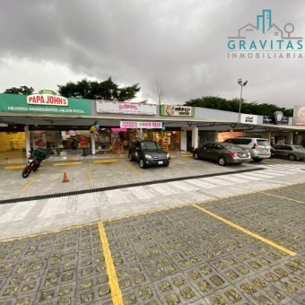 Local en Plaza Pinares Curridabat, 95m2 ID 852