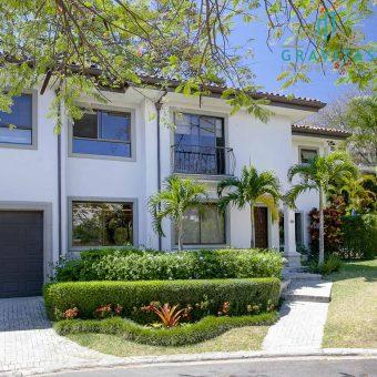 Casa en Escazú Exclusivo Condominio Cerro Alto ID 893