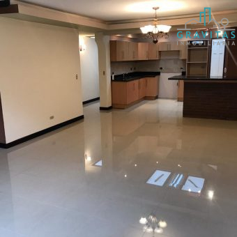 Se vende casa y apartamento aledaños en Los Colegios Moravia
